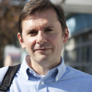 Dr. Nebojša Vladisavljević